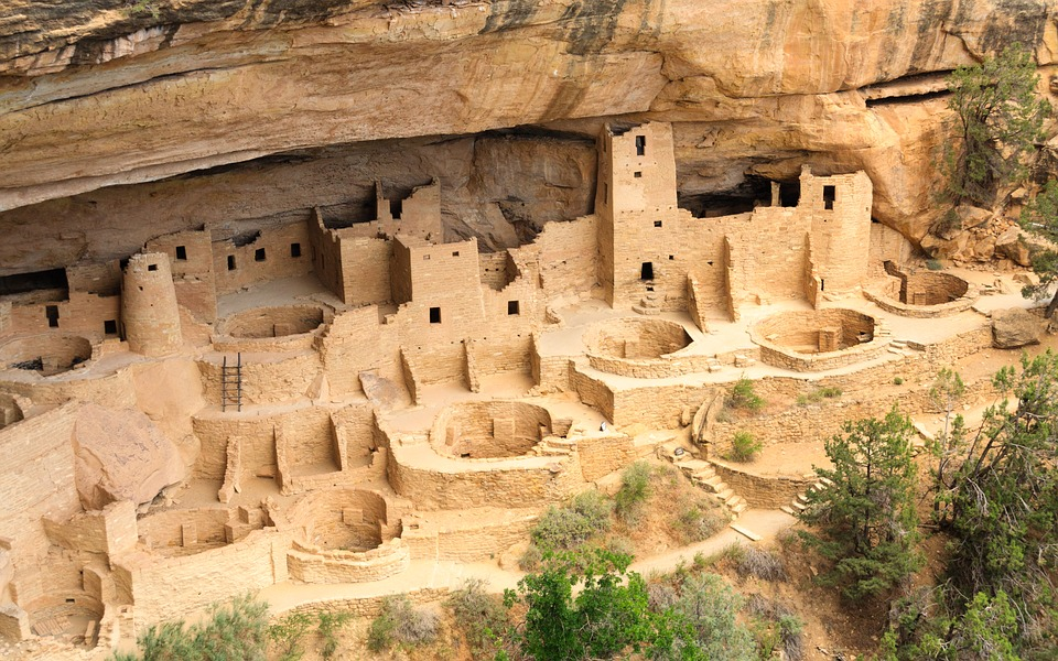 pueblo peoples